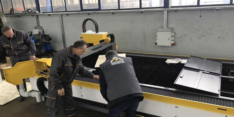Fiber laser masine