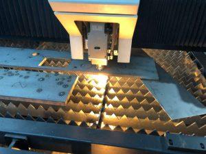 laser masine za sesenje lima
