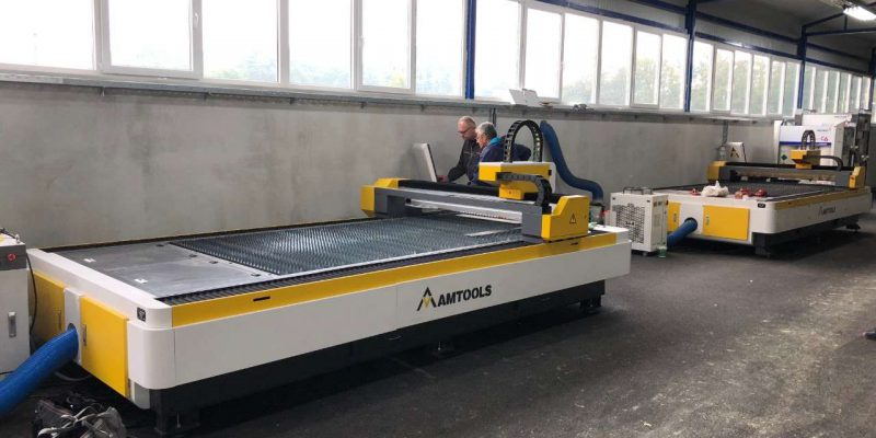 Dve CNC fiber laser masine